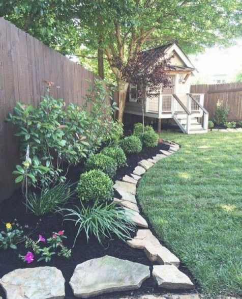 Beautiful Backyard Landscaping Design Ideas With Low Maintenance 30