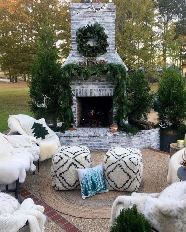 Best Outdoor Fire Pits Decorating Ideas For Spring 17