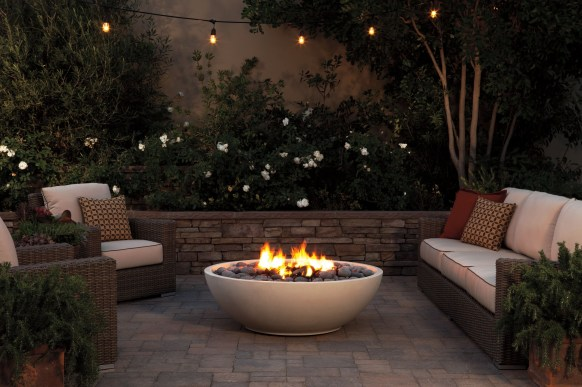 Best Outdoor Fire Pits Decorating Ideas For Spring 42