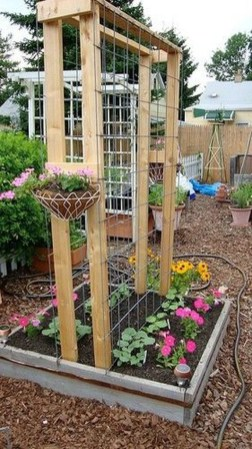 Cool DIY Garden Trellis Ideas 42