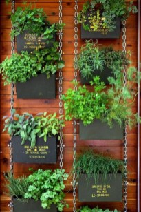 Cool DIY Vertical Garden for Front Porch Ideas 14