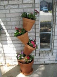 Cool DIY Vertical Garden for Front Porch Ideas 21