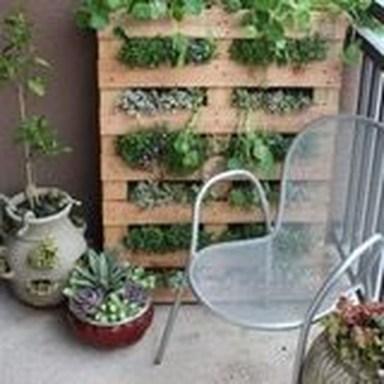 Cool DIY Vertical Garden for Front Porch Ideas 56