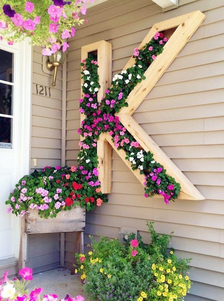 Cool DIY Vertical Garden for Front Porch Ideas 58