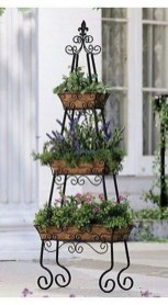 Cool DIY Vertical Garden for Front Porch Ideas 59