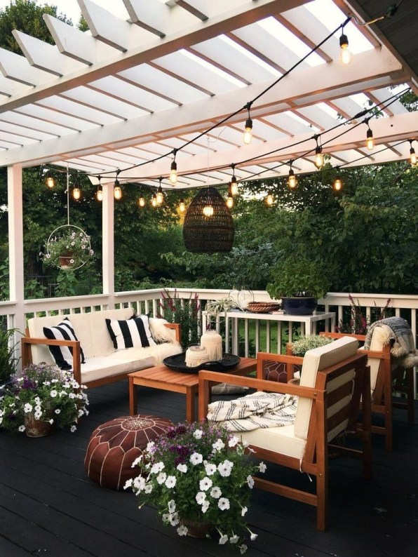 Small Backyard Patio Ideas On a Budget 15