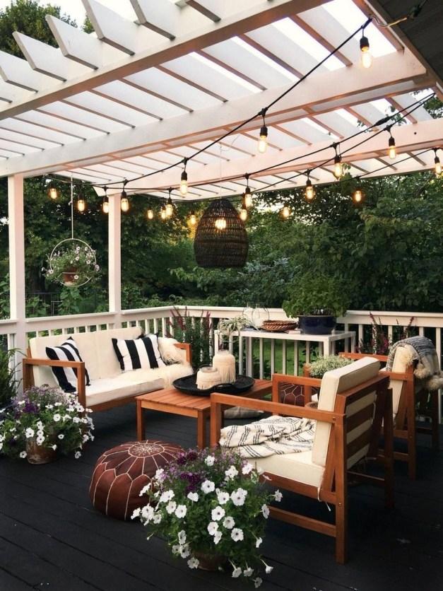 Small Backyard Patio Ideas On a Budget 15