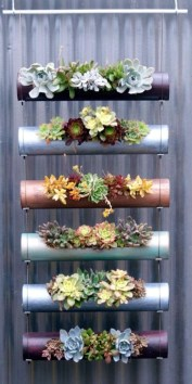 Stunning DIY Vertical Garden Design Ideas 32