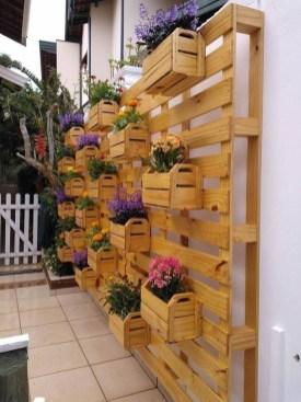 Stunning DIY Vertical Garden Design Ideas 36