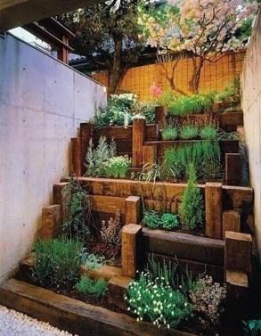 Stunning DIY Vertical Garden Design Ideas 51