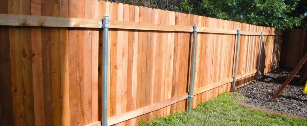 Amazing Farmhouse Privacy Fence to Perfect Your Backyard 19