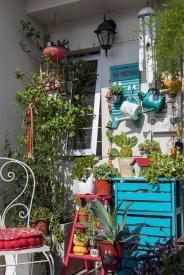 Basic Exterior Wall Into an Elegant Vertical Garden to Perfect Your Garden 10