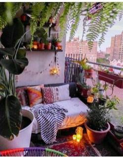 Basic Exterior Wall Into an Elegant Vertical Garden to Perfect Your Garden 20