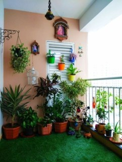 Basic Exterior Wall Into an Elegant Vertical Garden to Perfect Your Garden 29