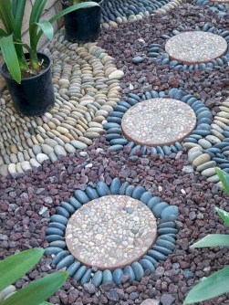 Beautiful DIY Mosaic Ideas To Beautify Your Garden 13