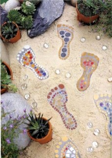 Beautiful DIY Mosaic Ideas To Beautify Your Garden 14