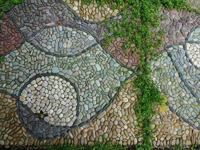 Beautiful DIY Mosaic Ideas To Beautify Your Garden 24