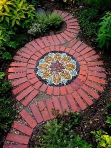 Beautiful DIY Mosaic Ideas To Beautify Your Garden 25