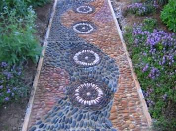 Beautiful DIY Mosaic Ideas To Beautify Your Garden 27