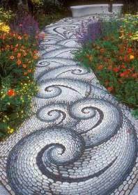 Beautiful DIY Mosaic Ideas To Beautify Your Garden 30