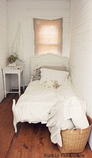 Best Maximizing Your Tiny Bedroom 46