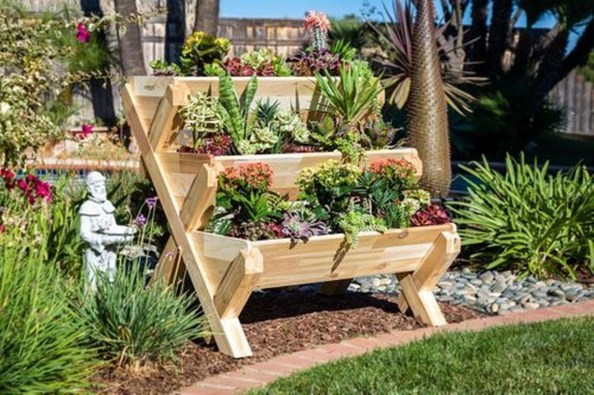 Clever Gardening Ideas with Low Maintenance 24