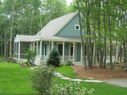Comfortable Small Cottage House Plan Ideas 23