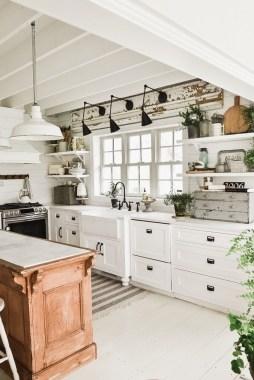 Cool Farmhouse Kitchen Decor Ideas On a Budget 16