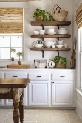 Cool Farmhouse Kitchen Decor Ideas On a Budget 25