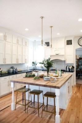 Cool Farmhouse Kitchen Decor Ideas On a Budget 33