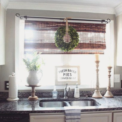 Cool Farmhouse Kitchen Decor Ideas On a Budget 44