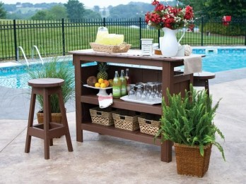 DIY Bright Outdoor Bar Using Pallet 16