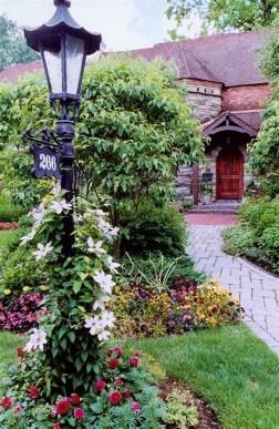 Gardening Tips- Maintenance Landscaping Front yard 37