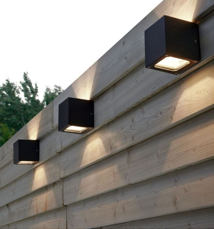 Gorgeous Front Fence Lighting Ideas to Apply Now 12