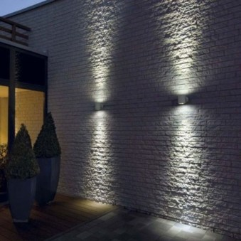 Gorgeous Front Fence Lighting Ideas to Apply Now 15