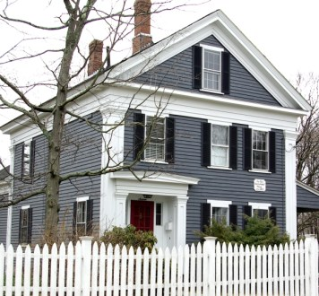 How to Coolest & Looks Bright, with Fences White-colored House 28