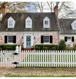 How to Coolest & Looks Bright, with Fences White-colored House 37