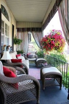 Outdoor Curtain Ideas to Spice Up Your Outdoor Space 28
