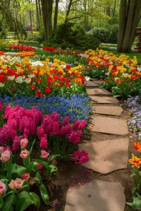 Stunning Garden Path and Walkways Design to Beautify Your Garden 17