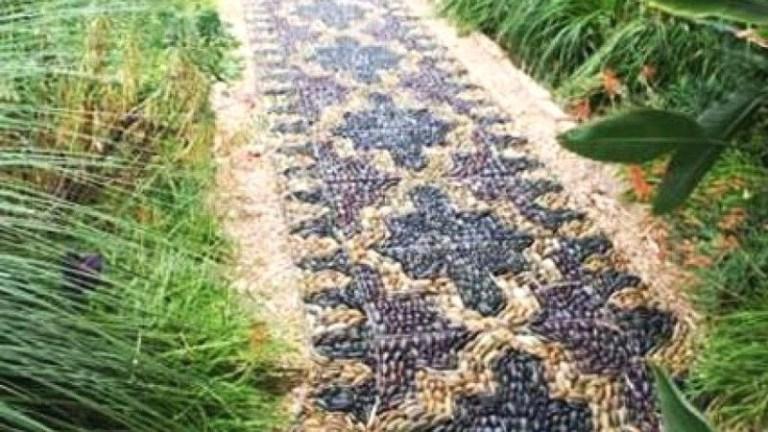 77 Stunning Garden Path and Walkways Design to Beautify Your Garden