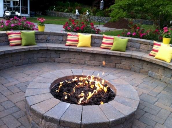 Wonderful Outdoor Firepit Ideas 17