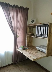 Amazing DIY Space-Saving Pallet Desk Ideas That You Must Try 12