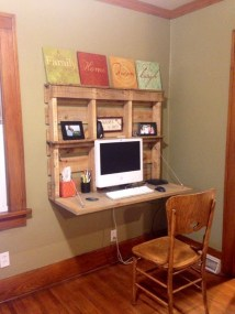 Amazing DIY Space-Saving Pallet Desk Ideas That You Must Try 14