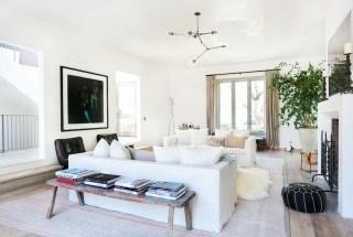 Amazing Small Living Room Design to Make Feel Bigger 15