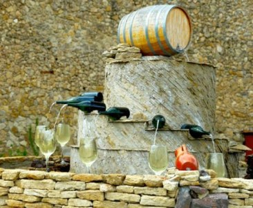 Charming Backyard Ideas Using an Empty Glass Bottle31