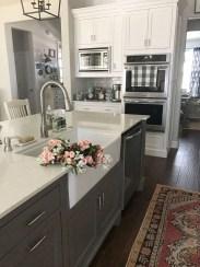 Cozy Kitchen Decorating with Farmhouse Sink Ideas 11