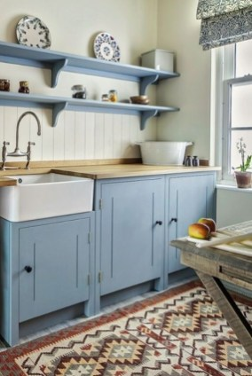 Cozy Kitchen Decorating with Farmhouse Sink Ideas 39