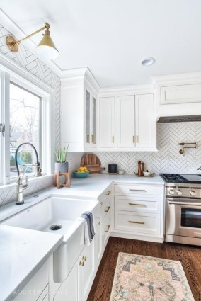 Cozy Kitchen Decorating with Farmhouse Sink Ideas 41