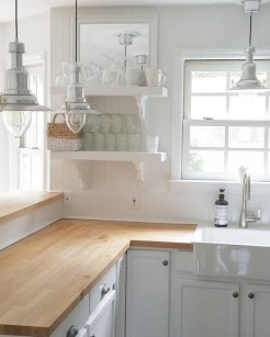 Cozy Kitchen Decorating with Farmhouse Sink Ideas 47