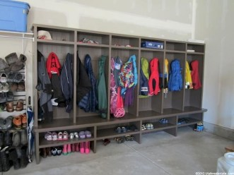 Easy DIY Garage Organization That Will Make Your Home Smell So Good This Fall 30